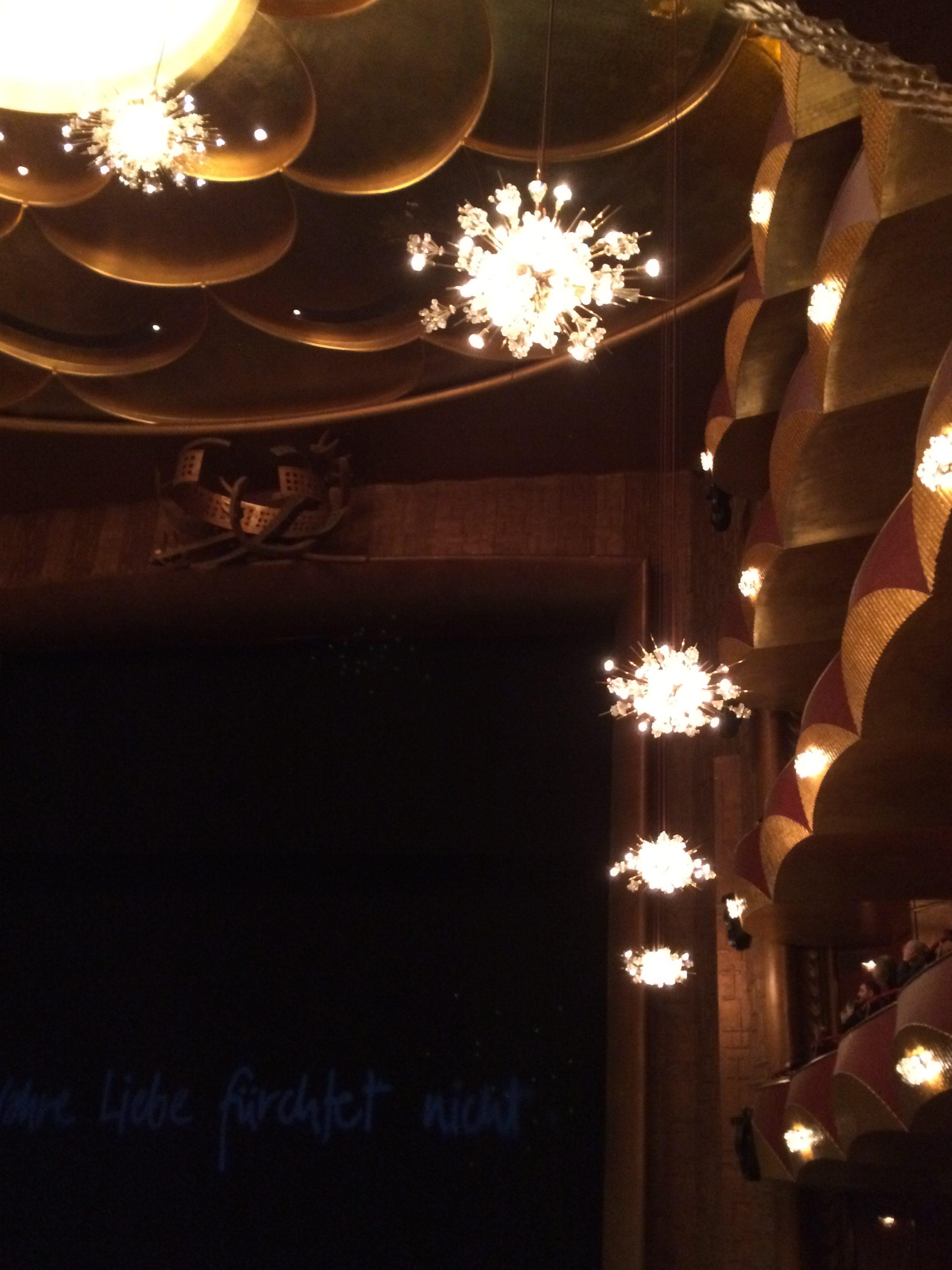 lights met opera