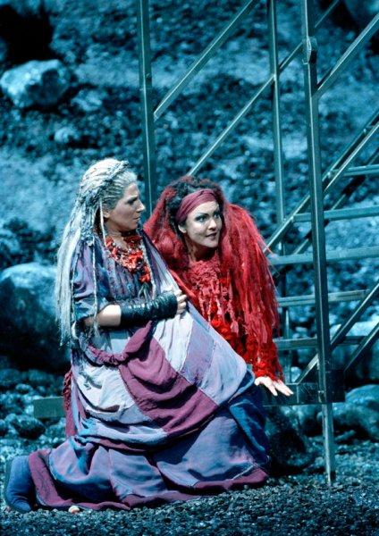 Reimann world premiere Medea mythology opera performance live stage Vienna Marlis Petersen soprano performance