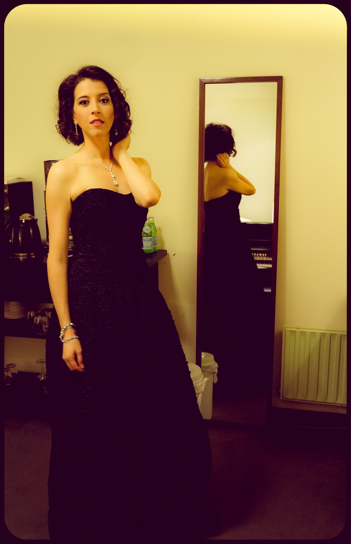 soprano backstage singer vocal opera Lisette Oropesa Amsterdam mirror reflection fashion