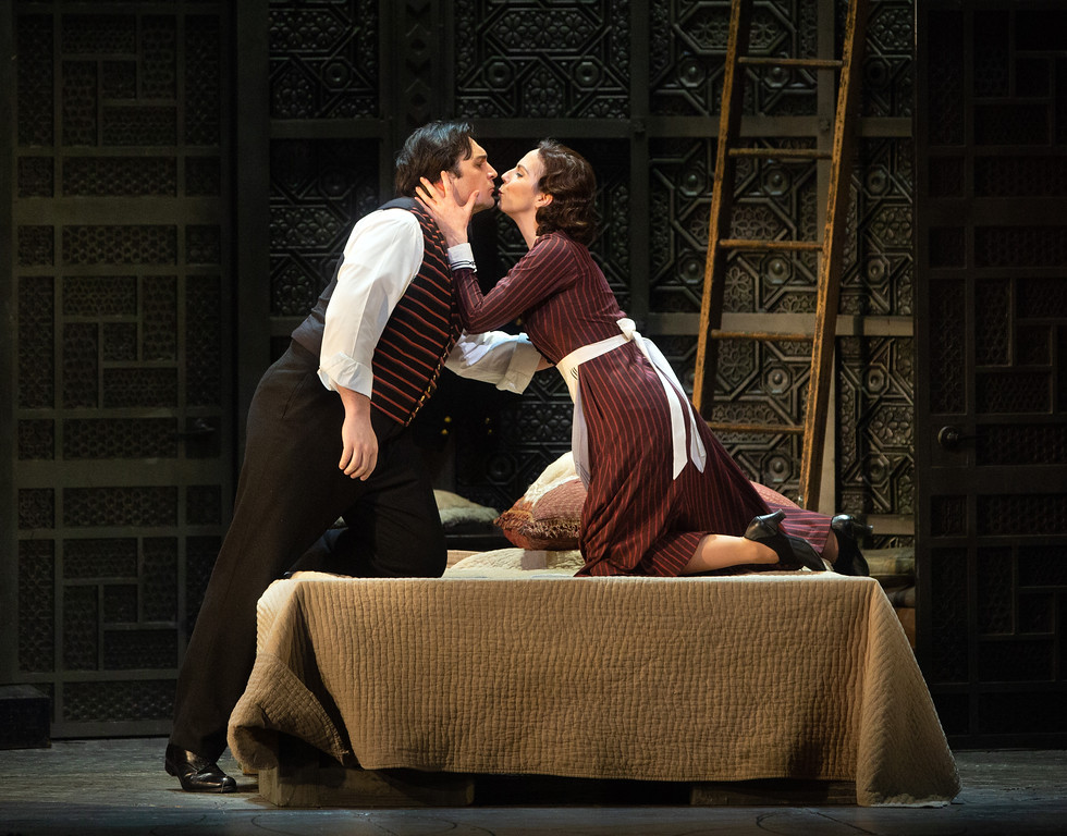 figaro opera performance Mozart Met opera Metropolitan NYC Meister production stage kiss couple