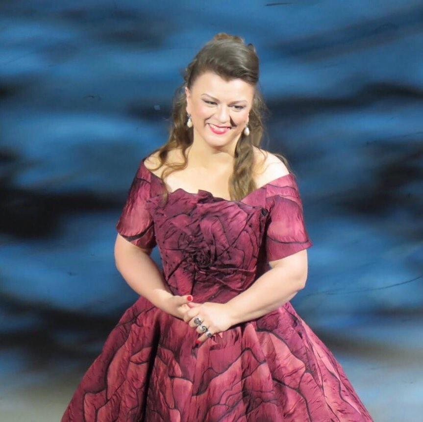 Petrova soprano Russian portrait head shot singer art opera stage live presentation performance