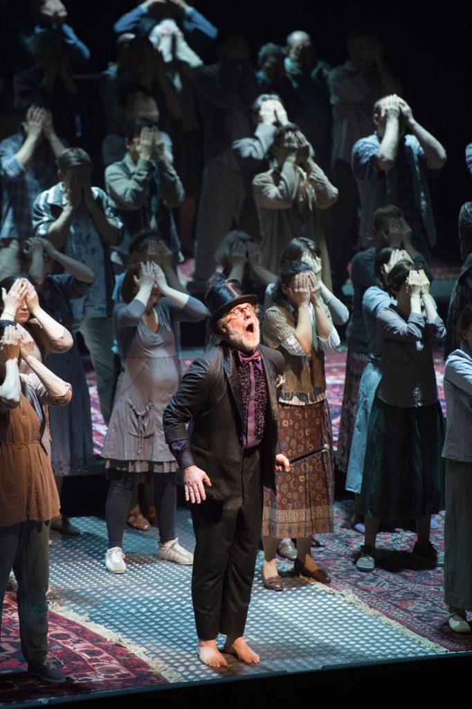 Moses und Aron, staging, Kosky, Komische Oper Berlin, Schoenberg, opera