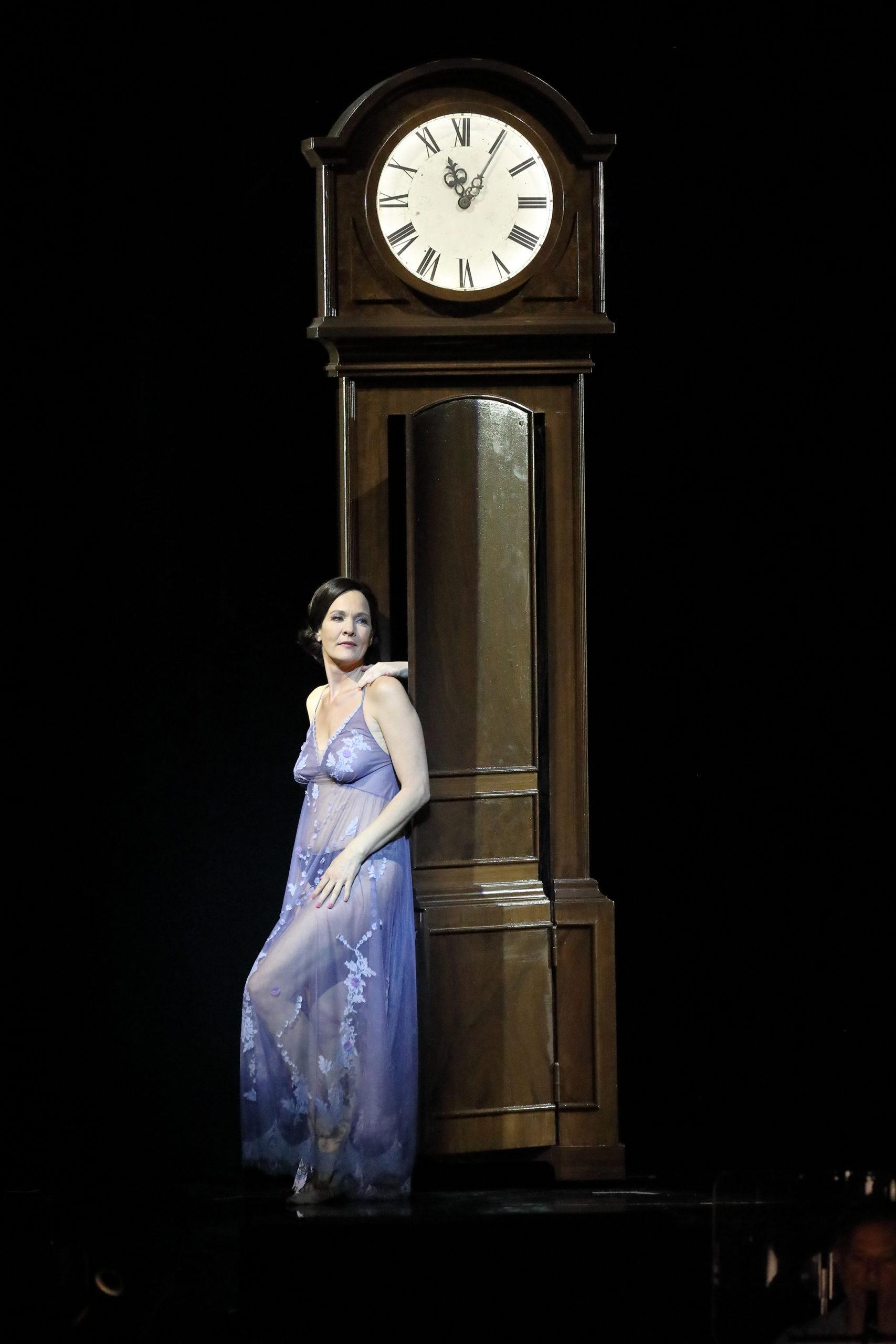 Marlis Petersen, soprano, sing, voice, vocal, opera, Der Rosenkavalier, Bayerische Staatsoper, Barrie Kosky, Strauss, Hofmannsthal, stage, performance, Marschallin