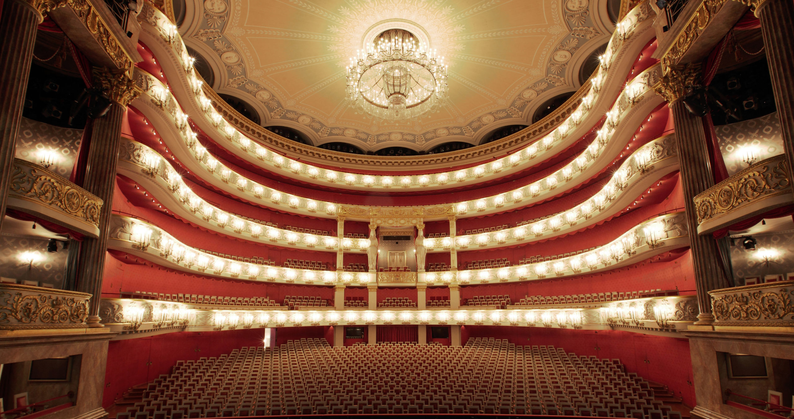 Bayerische Staatsoper, Bavarian State Opera, auditorium, Nationaltheater, opera, music, stage, seating, Munich, Muenchen